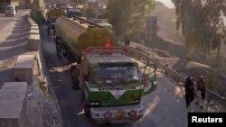 Truk-truk pembawa suplai NATO memulai kembali pengiriman ke Afghanistan melalui Pakistan (Foto: dok).