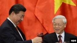 Chủ tịch Trung Quốc Tập Cận Bình thăm Hà Nội, tháng 4/2016.