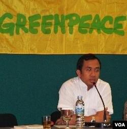 Juru Kampanye Hutan Greenpeace Indonesia, Muhnur mengatakan pemerintah harus tetap melindungi hak-hak masyarakat lokal (2/2).