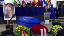 جزئیاتی از مراسم تشییع جنازه هلموت کهل معمار اتحاد آلمان