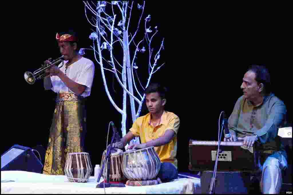 تقریب کا مقصد دونوں ممالک کے درمیان موسیقی کے مظاہرے کے ذریعے تعلقات کو فروغ دینا تھا