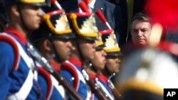 Además, Bolsonaro perdonó a convictos que están enfermos de gravedad o tienen alguna enfermedad irreversible como paraplejia o ceguera.