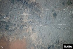 تصویر ماهوارهای رود ریوگرانده که دو شهر ال پاسو و هوارز را از هم جدا می کند Photo: NASA