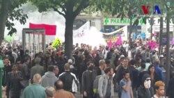 Fransa'da Gösterilere Katılım Artıyor