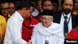 KH Ma'rufAmin(kanan) bersama Presiden Joko Widodo (foto: dok).