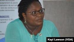 Manibelle Télou, chargée des formalités de création d'entreprises du Centre de formalités des entreprises à Lomé, Togo. (VOA/Kayi Lawson)