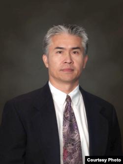 加州移民律師蔣百庚
