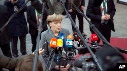"""Thủ tướng Đức Angela Merkel nói lập trường của nước Đức """"từ khi khởi sự chương trình cứu nguy tài chính Hy Lạp"""" là Hy Lạp vẫn là một thành viên của khu vực đồng euro."""