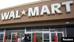 En los años anteriores, empresas como Wall Mart, pagaron sus dividendos en enero. Ahora se anticiparon para 'esquivar' las alzas.