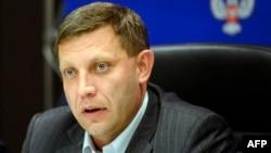 자칭 도네츠크인민공화국 측의 정부 수장으로 당선된 현 공화국 지도자 알렉산드르 자하르첸코 후보가 2일 기자회견을 하고 있다.