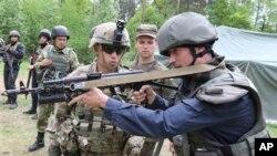 Фото: військові США та Україні під час спільних навчань