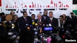 이집트 무함마드 무르시 전 대통령 측의 무하마드 다마티 변호사가 13일 카이로에서 기자회견을 갖고, 무르시전 대통령의 성명을 대신 발표했다.