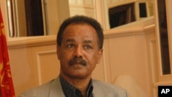 Eritrean President Isaias Afewerki being interviewed by VOA`s Tewelde Weldeghebriel, 2009