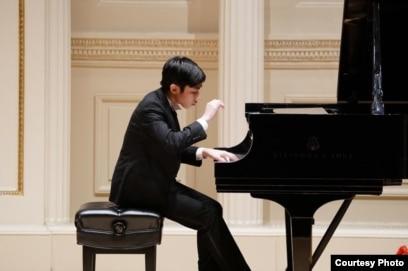 Pianis George Margono - (courtesy Carnegie Hall/Sienny Debora)