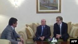 Topi, takime me ambasadorët e SHBA dhe të BE në Tiranë