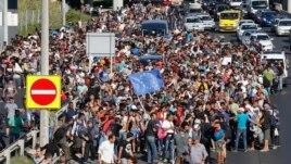 Emigrantët, Europa dhe feja
