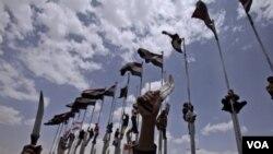 Las protestas continúan en Yemen, mientras la oposición expresa su desacuerdo con un plan aprobado por el presidente Saleh.