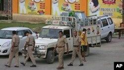 Des policiers indiens dans la ville de Sonipat, Inde, le 26 août 2017.