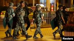 Polisi paramiliter China dilaporkan menembaki kerumunan orang yang merayakan hari lahir Dalai Lama di China bagian barat (foto: dok).