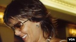 La cantante mexicana permanecerá bajo cuidados médicos para observar de cerca el proceso de cicatrización.