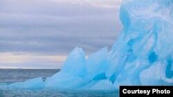 Le réchauffement climatique fait fondre les calottes glaciaires (Royalty-Free/Corbis)
