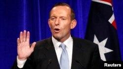 Lider australijskih konzervativaca Toni Ebot tokom pobedničkog govora