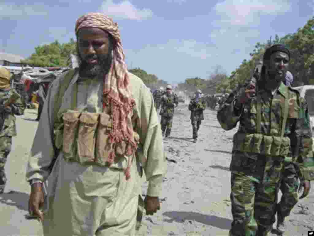 Mukhtar Robow Abu Mansur iyo Cali Maxamud Raage (Cali Dheere)