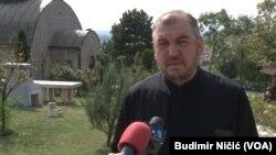 Da li oni misle da tu stvarno ima novca, da se tu nešto može ukrasti: sveštenik Aleksandar Našpalić