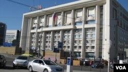 莫斯科的俄罗斯对外贸易银行零售银行总部大楼。(美国之音白桦拍摄)