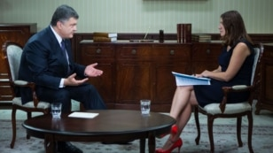 VOA's Myroslava Gongadze speaks with Ukrainian President Petro Poroshenko in Kyiv, Ukraine, September 4, 2015.