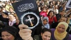 زدوخورد مهاجمان و طرفداران دمکراسی در قاهره