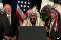 印第安部落首领与白宫官员举行大会