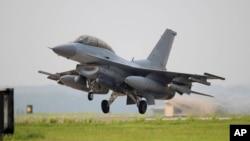 한국 정부가 운영 중인 KF-16 전투기. (자료사진)