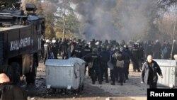 درگیری پناهجویان با پولیس در کمپ هرمنلی خشم مقام های بلغاریایی را بر انگیخته است.
