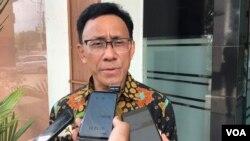 Ahli Geofisika dari Institut Teknologi Bandung, Teuku Abdullah Sanny saat hadir di Pengadilan Tata Usaha Negeri (PTUN) Medan dalam sidang gugatan WALHI Sumut terhadap perizinan lingkungan pembangunan PLTA Batang Toru, Senin (7/1). (Foto: VOA/Anugrah)