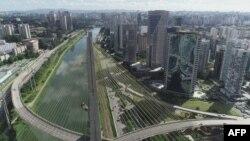 São Paulo, a maior metrópole da América Latina, vazia