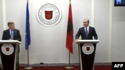 Qeveria shqiptare e gatshme për hetimet ndaj akuzave të Dik Martit