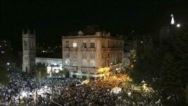 Homenaje y vigilia a los jóvenes que murieron en el incendio de la discoteca Kiss en Santa María, Rio Grande do Sul.