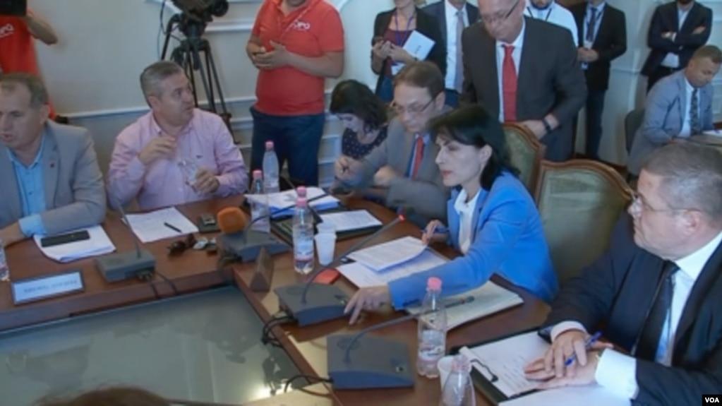 Kryeprokurorja Marku në parlament, akuza nga opozita