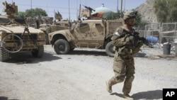 Wani sojan Amurka yana sintiri inda mayaka suka kai hari a Afghanistan