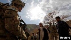 Tentara AS melakukan patroli di provinsi Wardak (foto: dok). Seorang fotografer Perancis yang diculik tahun lalu dibebaskan oleh penculiknya di provinsi Wardak.