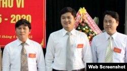 Ông Lê Phước Hoài Bảo (giữa), được bổ nhiệm giám đốc Sở khi 30 tuổi. (Ảnh chụp từ trang web vnexpress)