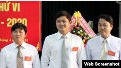 Ông Lê Phước Hoài Bảo (giữa) được bổ nhiệm làm Giám đốc Sở Kế hoạch-Đầu tư khi mới 30 tuổi.