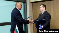 Premijeri Bugarske i Srbije, Bojko Borisov i Ivica Dačić, poosle potpisivanja sporazuma o izgradnji gasovoda, Brisel, 14. decembar 2012.