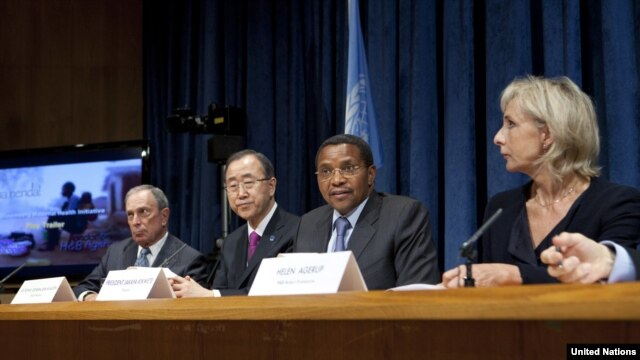 Tanzanian President Jakaya Kikwete speaks at a press conference alongside NYC Mayor Michael Bloomberg; Secretary-General Ban Ki-moon; and Helen Agerup (Agerup Foundation) to reveal results of a maternal health care program, Oct. 2, 2012. (UN/J. Carrier)
