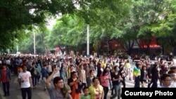 茂名數千民眾3月30號舉行示威,抗議政府建PX項目 (目擊者提供)