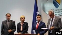 Rasim Ljajić, Dragica Sekulić i Ljupčo Nikolovski and Mirko Šarović tokom nedavnog sastanka u Sarajevu