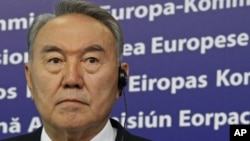 Kazakhstan's President Nursultan Nazarbayev at a news conference after a meeting with European Commission President Jose Manuel Barroso in Brussels, Oct. 26, 2010.