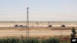 Pasukan keamanan Irak meninggalkan kota Ramadi, ibukota provinsi Anbar hari Minggu (17/5).