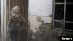 Li Douma keçeke birîndar